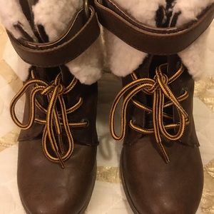 New brown jellypop commando lace up boots, size 7